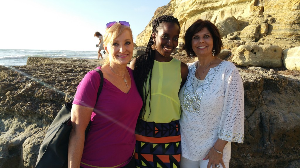 photo-robin-jay-kathryn-brinkley-farida-akadiri-plage-san-diego